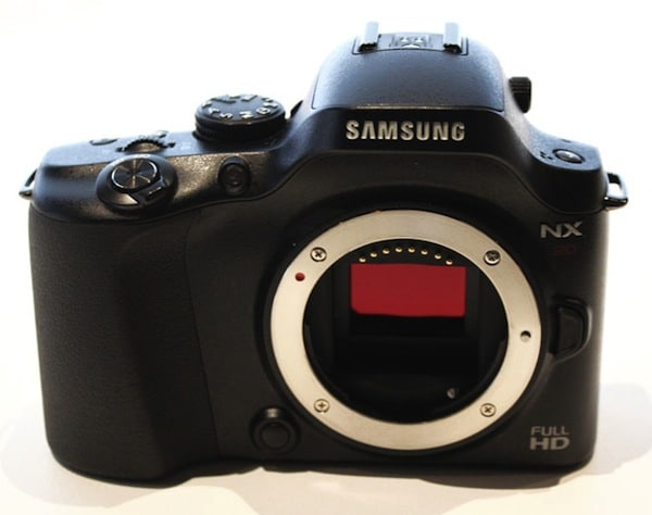 Samsung NX20 - Body