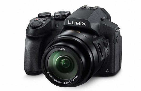 Panasonic Lumix FZ300 - Front